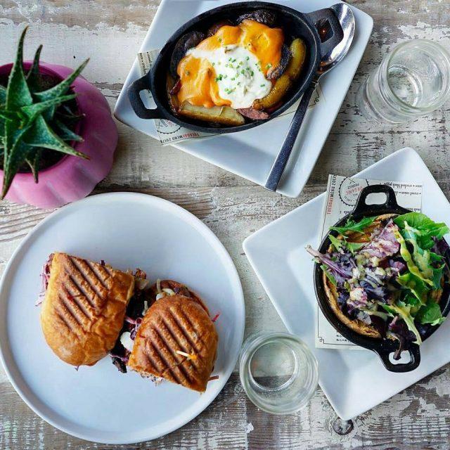 regram from alessandrataryn  Lunch with rollercoastervegan at vegetablela hellip